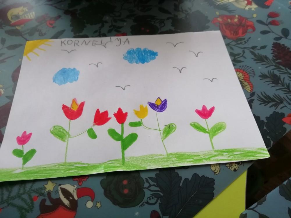 Tulpių žiedai kviečia grožėtis pavasario spalvomis